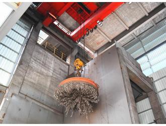 晋南钢铁集团高炉槽上废钢全自动无人天车系统投入运行